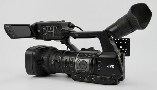 GY-HM650E-2 – 1